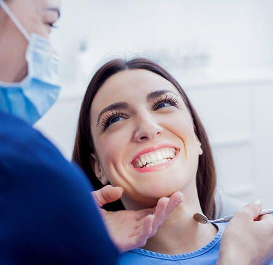 Šiuolaikinė odontologija 5 idealios šypsenos paslaptys