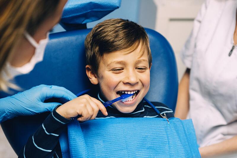 Vaikų dantukų priežiūra dažniausios klaidos